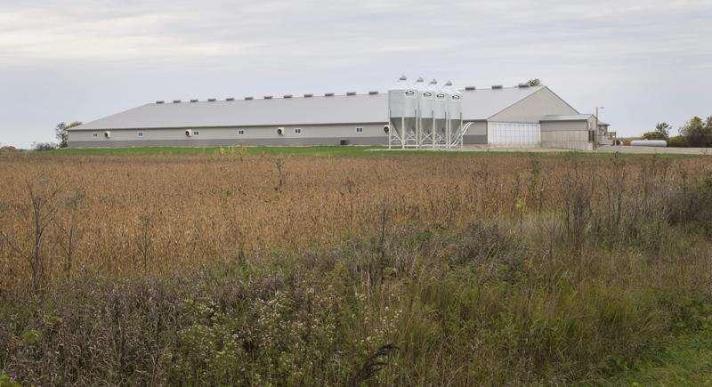 Iowa landowners unite against animal confinements