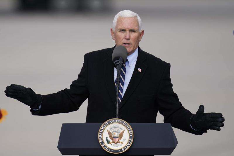 Vice President Mike Pence rallies Iowa support for Donald Trump, Joni Ernst
