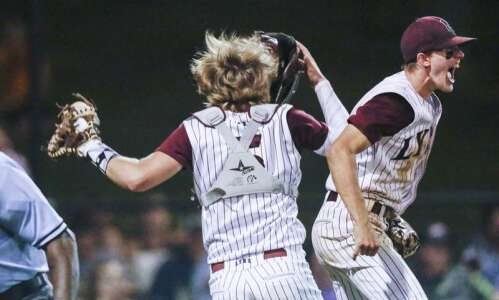 No. 1 North Linn advances to state baseball tournament with…