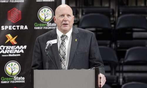 Coralville Mayor John Lundell won't seek fifth mayoral term