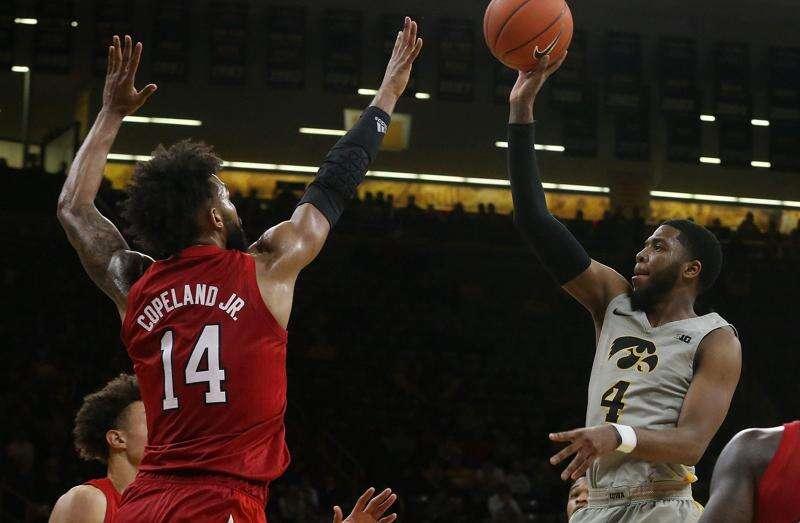 Iowa transfer Isaiah Moss flips from Arkansas to Kansas