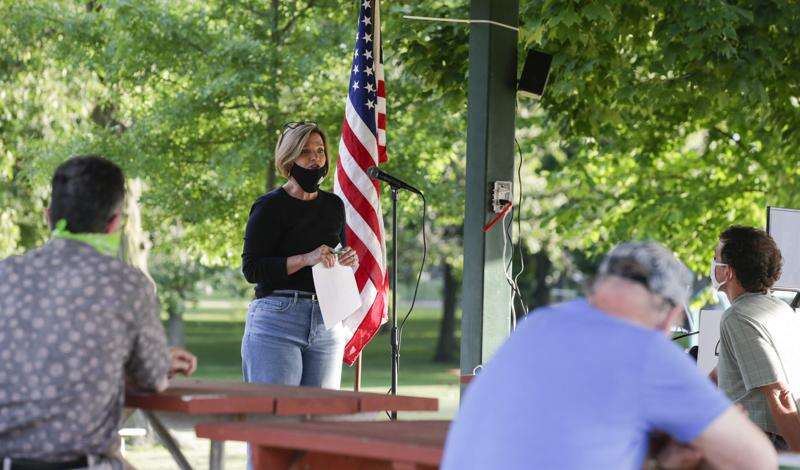 Iowa congressional candidates inch toward returning to the trail