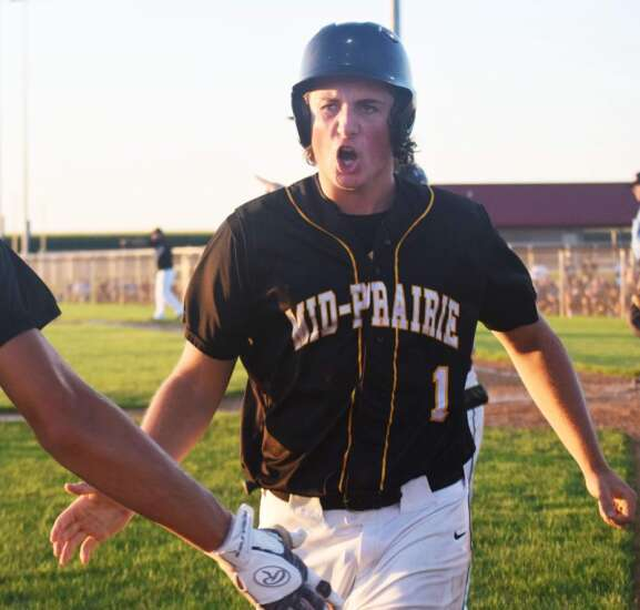 New London in baseball rankings at 10, Mid-Prairie down to No. 7