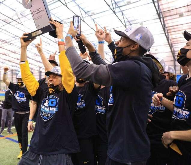 Iowa Hawkeyes win Big Ten men's indoor track and field championship