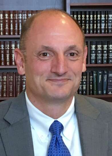 Iowa state court administrator announces resignation after serving three years in the role