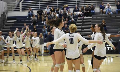 Xavier sweeps, earns share of MVC Valley Division volleyball title