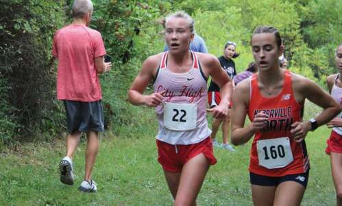 Ani Wedemeyer finds family in cross country