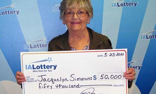 Cedar Rapids woman claims $50,000 lottery prize