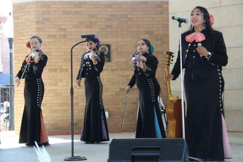 Latino Festival immerses large crowd in Hispanic culture