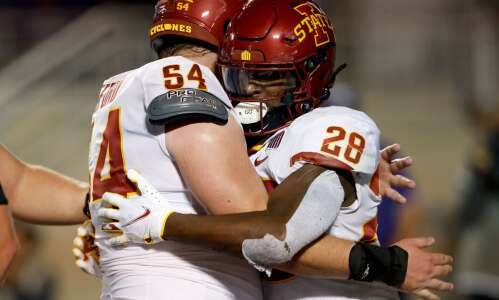 Jarrod Hufford makes immediate impact on Iowa State offensive line
