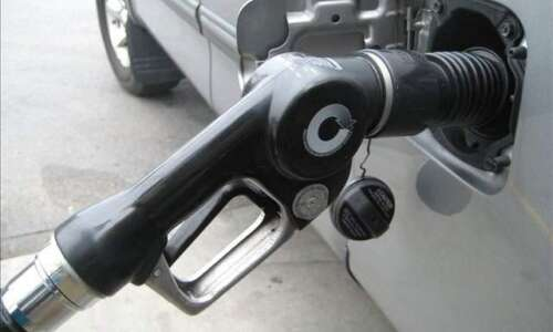 Analyst: Expect short-term gas price spike in Iowa, across Midwest