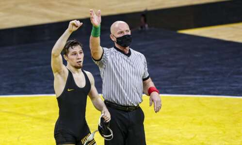 NCAA Wrestling Championships 2021: Thursday's results, team scores and more