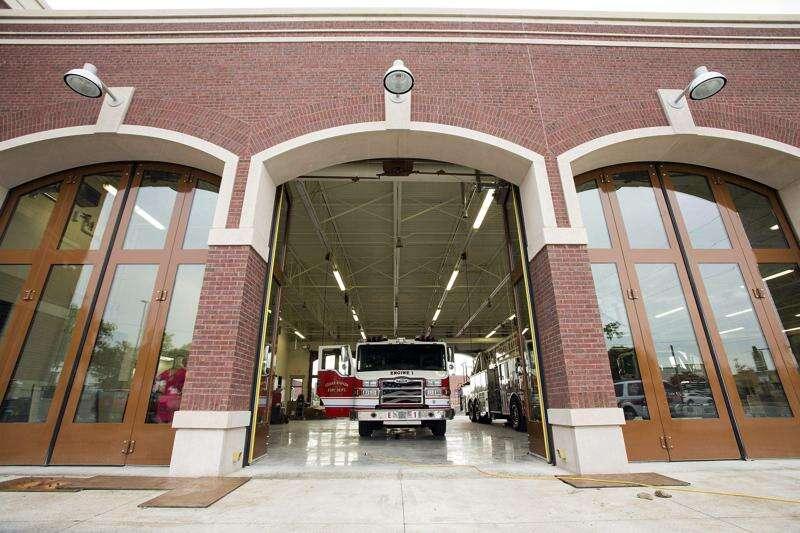 Cedar Rapids firefighters respond to mail truck fire