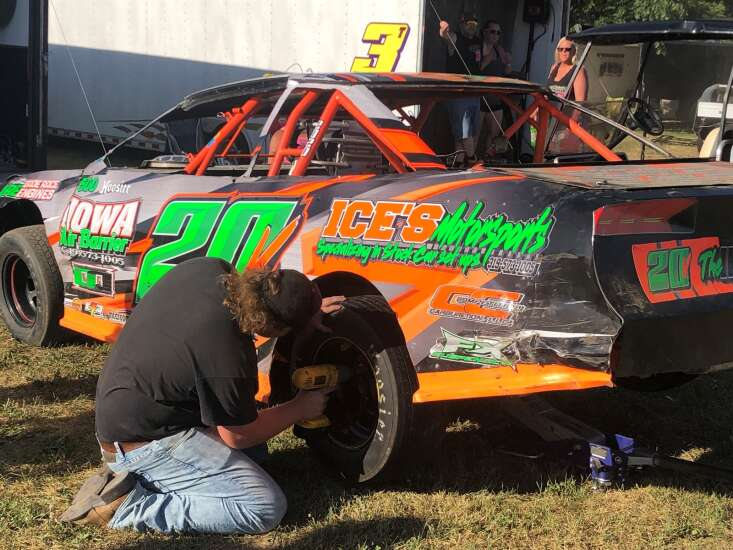 Dustin Vis finds time to relax, race