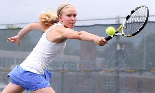 Washington tennis aims high again