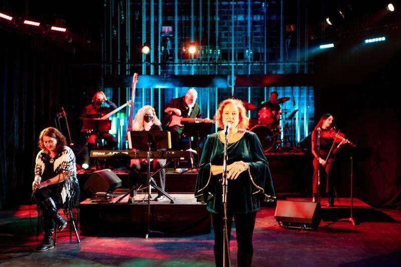 Divas divine: Lauer, Rothrock & friends team up to virtually rock Theatre Cedar Rapids