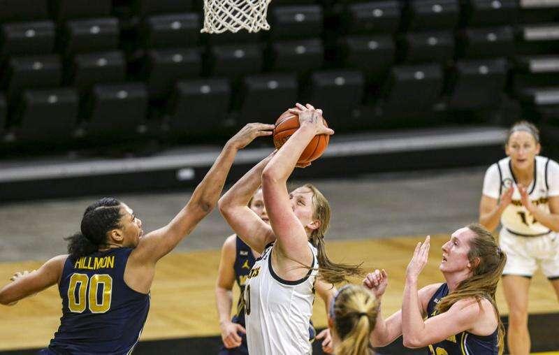 Photos: Iowa Hawkeyes women's basketball vs. Michigan Wolverines