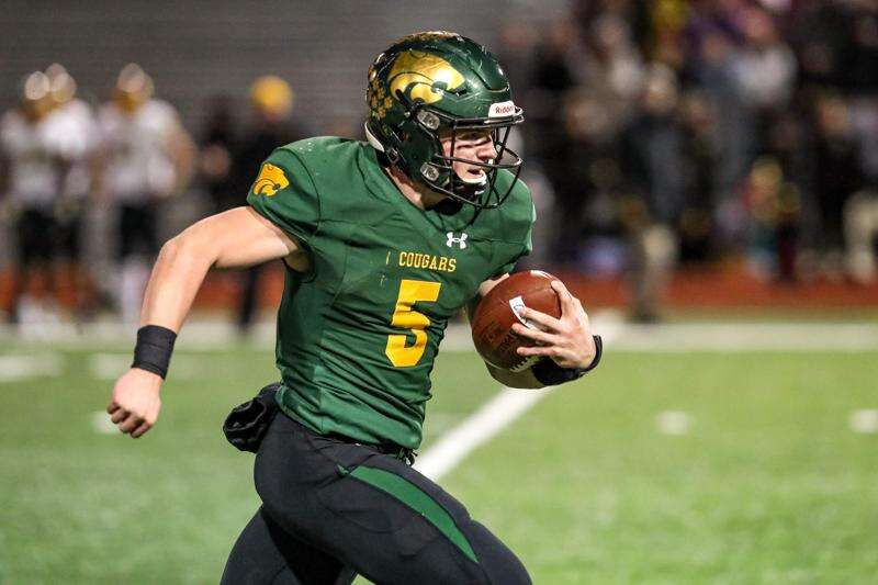 Cedar Rapids Kennedy QB Max White aspires to live up to Hawkeye namesake