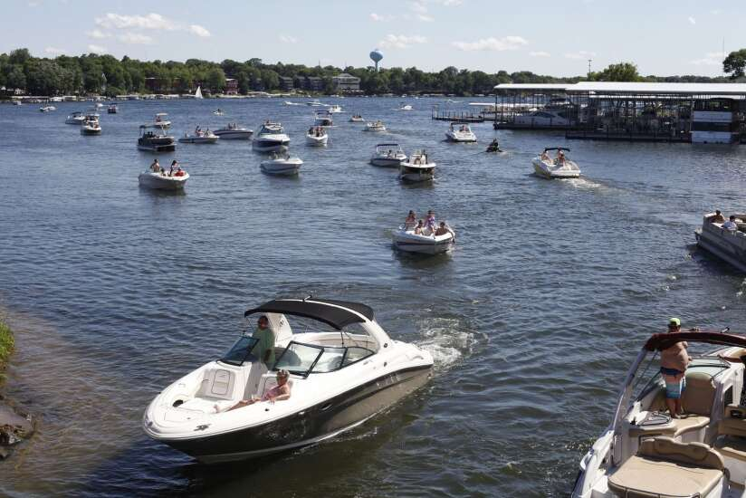 Rental boat app GetMyBoat looking for Iowa 'captains'
