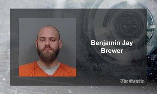Cedar Rapids man arrested in robbery, assault with nail gun