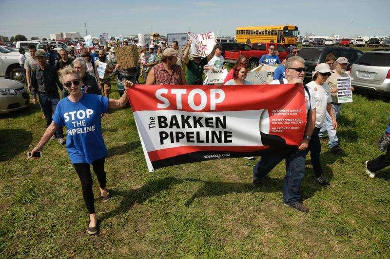 Bakken pipeline protest brings 30 arrests