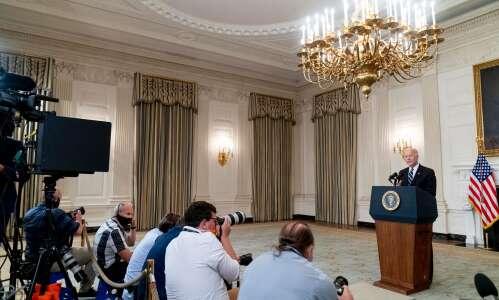 Biden's vaccine mandates 'dangerous and unprecedented,' Gov. Reynolds says
