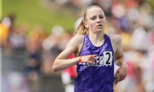 Iowa 4A girls' state track and field: Ashlyn Keeney gives…