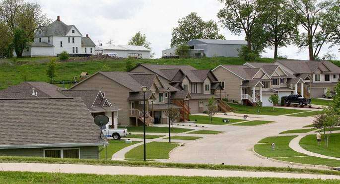 2020 census shows Iowa urban areas grow, but population decline continues in rural areas