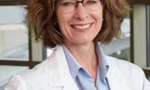 As COVID mandates ease, Iowa doctors emphasize need for vaccines