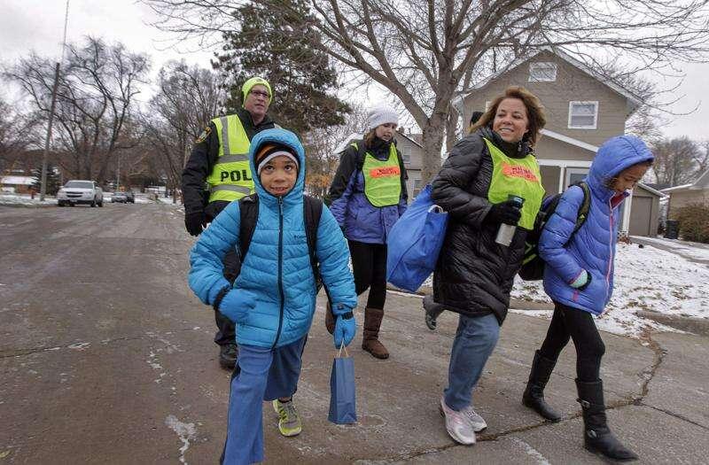 Blue Zones project, parents start 'walking school bus' program in Iowa City