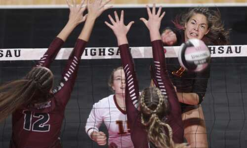 Denver stuns perennial power Western Christian in state volleyball semifinals