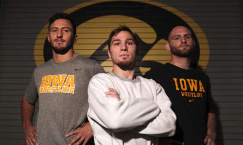 They're all back: Hawkeyes return starting lineup to defend title