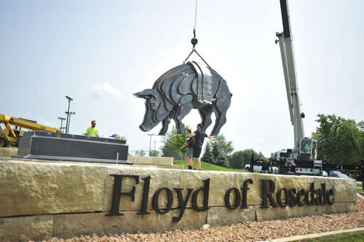 Sculpture pays homage to Floyd of Rosedale in Fort Dodge