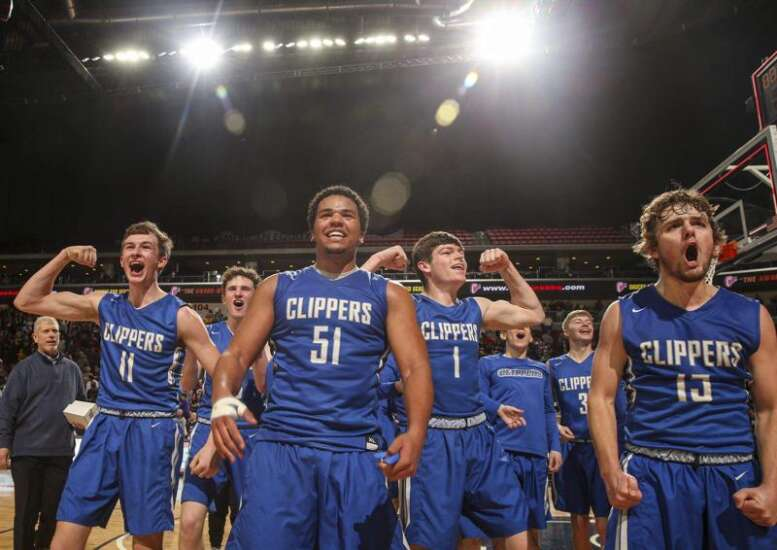 Last Wamac team standing in boys' state basketball tournament? It's Clear Creek Amana