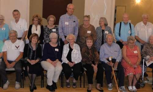 Ottumwa Class of '54 swings … and tells stories