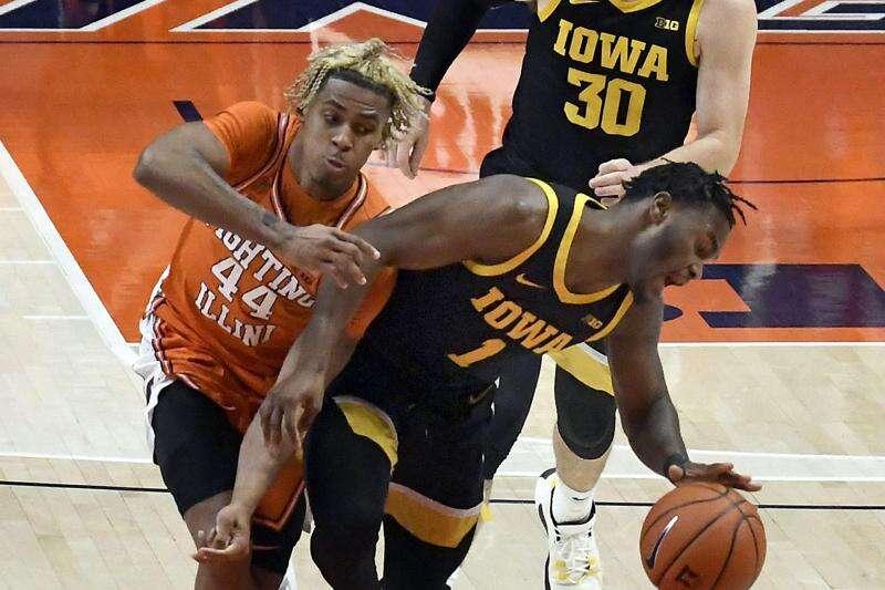 Illinois holds off Iowa men's basketball, 80-75