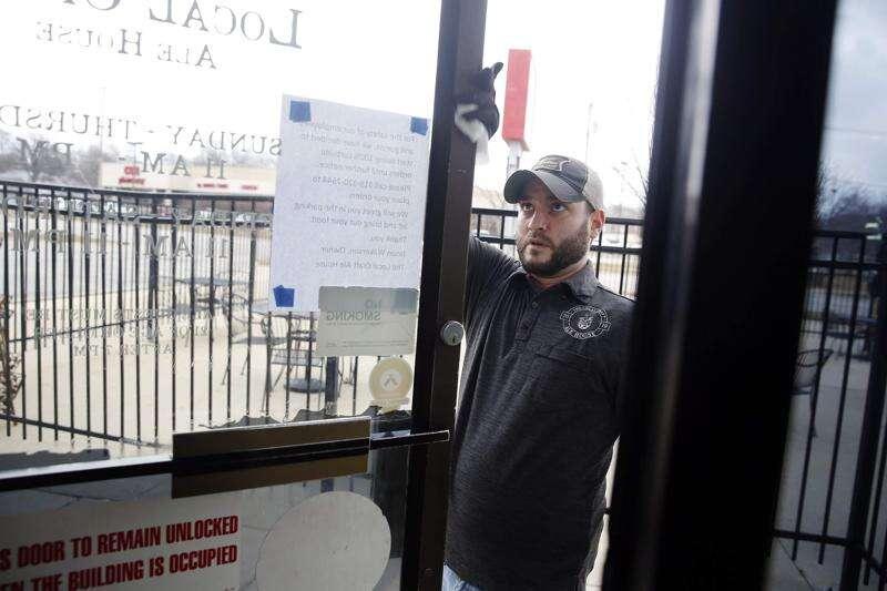 Amid uncertainty, Iowa restaurants and bars struggle to hold on