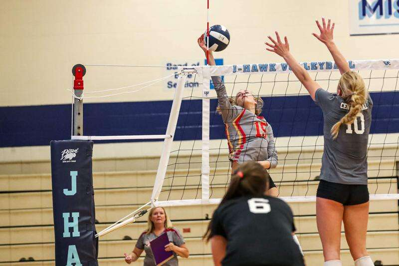Iowa high school volleyball regional finals: A closer look at Monday's area 3A, 4A, 5A matches