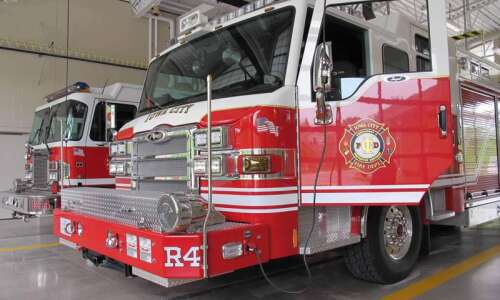 One injured by Iowa City house fire