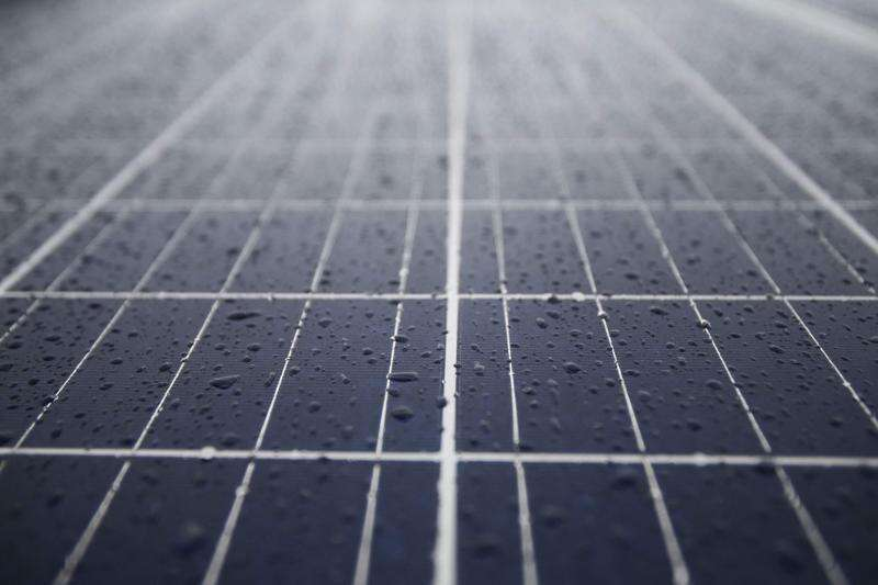 Iowa farmer and banker agree on solar tax credits