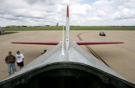 PHOTOS: B-17 Flying Fortress at Eastern Iowa Airport