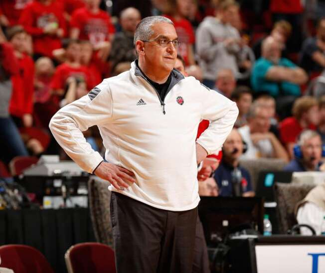 Dave Schlabaugh in 1st season leading Cornell: Small college men's basketball notebook