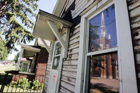 Time runs out on saving historic immigrant cottages in Cedar Rapids