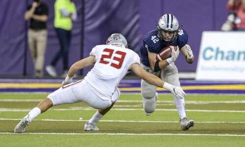 North Scott knocks off No. 1 Cedar Rapids Xavier in…