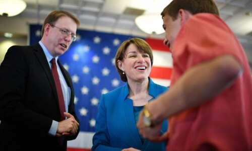 Klobuchar unveils substance abuse, mental health plan ahead of Iowa…
