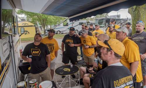 Tailgating traditions return to Iowa City