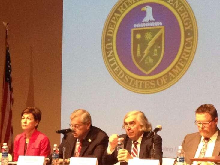 At Iowa forum, U.S. energy secretary stresses security