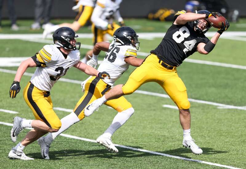 Iowa football summer check-in: Sam LaPorta leads inexperienced tight ends