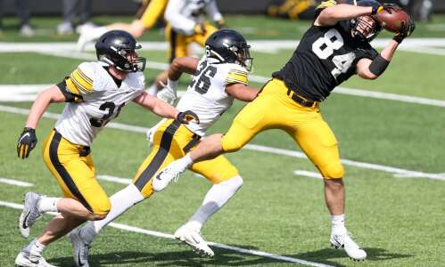 Iowa football summer check-in: Tight ends