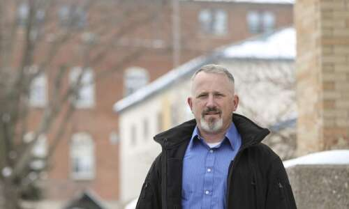'Mountain' of work awaits new Iowa City police Chief Dustin…